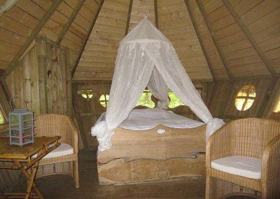 Cabane dans les arbres des Capucins - Parc de la Belle - Hébergement insolite dans la Vienne (86) entre Paris et Bordeaux proche du parc du futuroscope