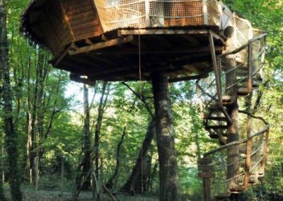 Cabane dans les arbres du Pêcheur - Parc de la Belle - Hébergement insolite dans la Vienne (86) entre Paris et Bordeaux proche du parc du futuroscope