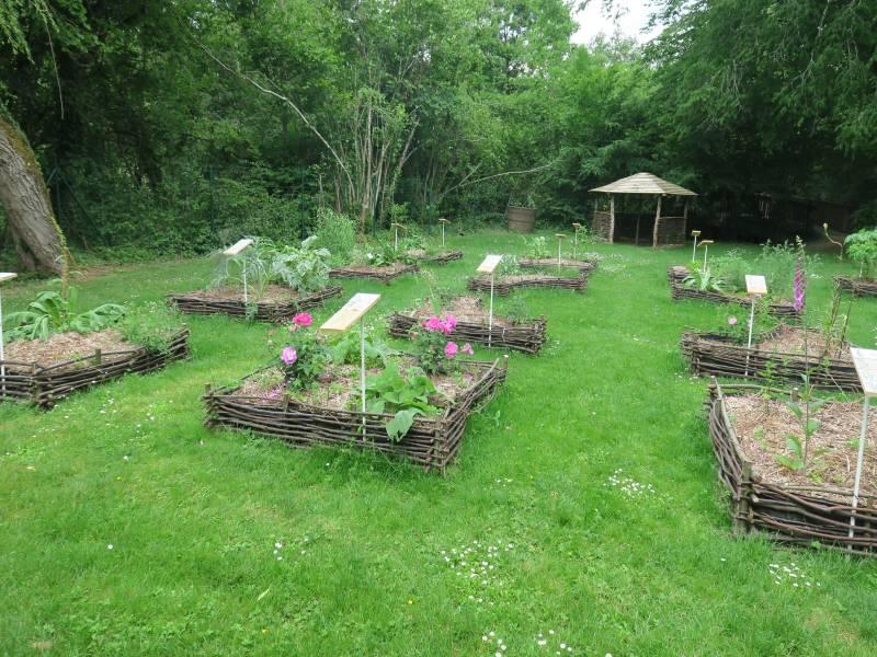 Jardin médiéval du Parc de la Belle